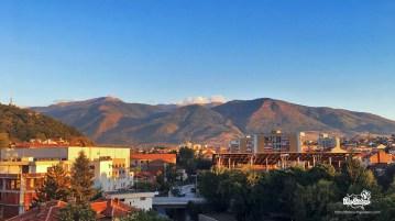 Гледката-от-прозореца-на-хотел-Рила-Дупница