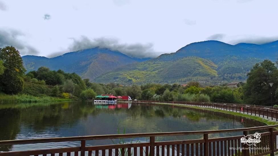 Езерото-в-парк-Рила-Дупница