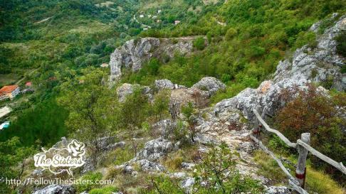 Поглед-от-Църквище-към-екопътеката