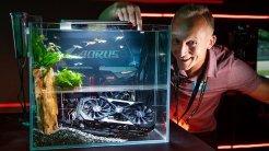 5) Gigabyte Fish Tank: Te confirmamos que es un entorno seguro para para tus peces de colores: este chasis está formado por dos tanques diferenciados, funcionando uno de ellos como tanque de refrigeración por inmersión para tu equipo.
