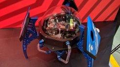 9) Tiny Viper: Bykski creó este curioso PC en cuya esfera central una bomba arroja líquido no conductor sobre los componentes para mantenerlos refrigerados. Un llamativa y original solución de refrigeración líquida por contacto directo.