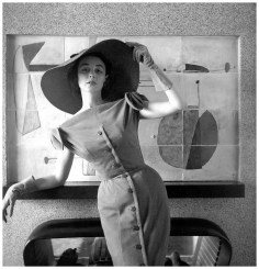 Dorian Leigh in Jacques Fath, photographed by Georges Dambier, March 1954 via PleasurePhoto.wordpress.com