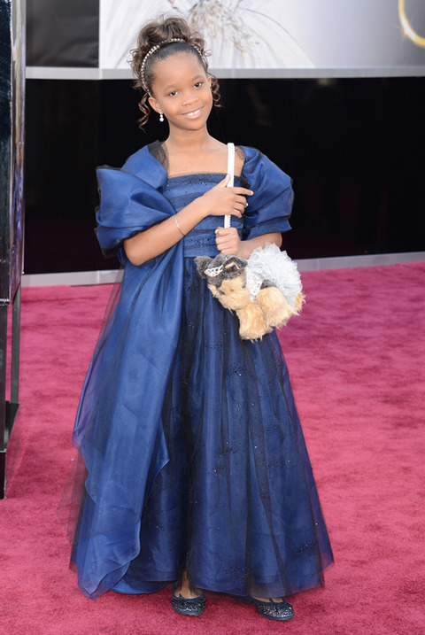 Quvenzhane Wallis en la alfombra roja de los Premios Oscar 2013