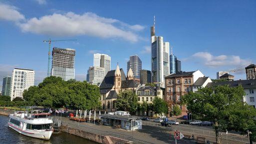 Frankfurt am Main – Knipsen, lukullische Genüsse und Nervenkitzel