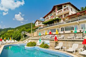 Семеен Хотел Планински рай в Шипково