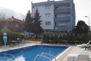 ХОТЕЛ ГЕРМАНЕЯ - един от най-известните хотели с минерален басейн в Сапарева Баня