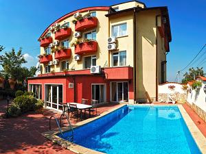 Басейна на Хотел Жасмин на Витоша до София