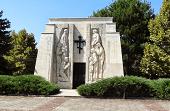 Паметник-Костница на Ботевите Четници