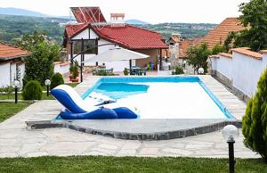 Къща на Времето снимка с басейн, село Огняново