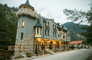 Къща за Гости Замък Хорлог, Триград в Родопите