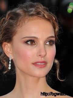 The Other Boleyn Girl Hd Wallpaper Gal Gadot Cute Close Up Wallpaper Background Wallpaper Hd