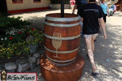 This barrel was the base for the pole that's holding this booth's grapevines. I thought the detail was rather impressive