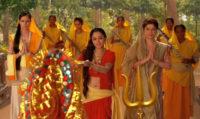 Jai Jai Giribar Raj Kishori Jai Mahesh Mukh Chand Chakori Maa Durga Aarti Mp3 Lyrics Sadhna Sargam