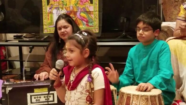 शिव जी भजन लिरिक्स – DIMAK DIMAK BOLEY DAMAROO DEVOTIONAL SHIVA BHAJAN SUNG BY VAISHNAVI
