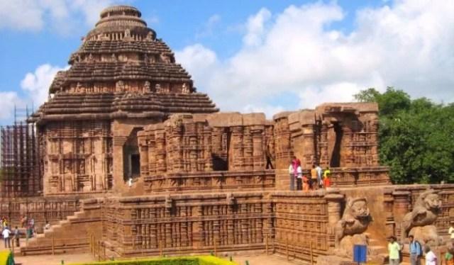प्रसिद्ध सूर्य मंदिर कोणार्क odisha