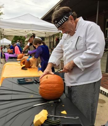 pumpkin-carving-contest