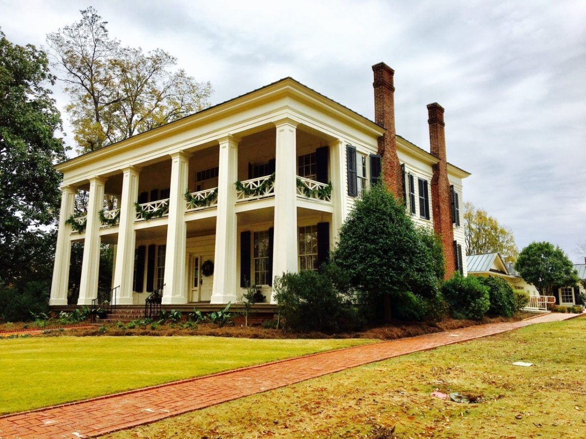 Christmas at Arlington Antebellum Home and Gardens (slideshow)