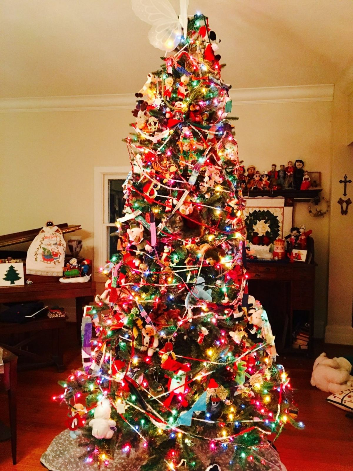 """Forget """"Where's Waldo?""""  Tell me what is hiding in this Christmas tree?"""