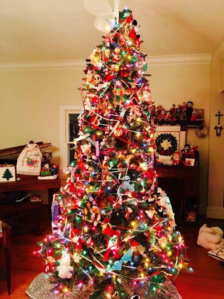 Birmingham Alabama Christmas tree cat
