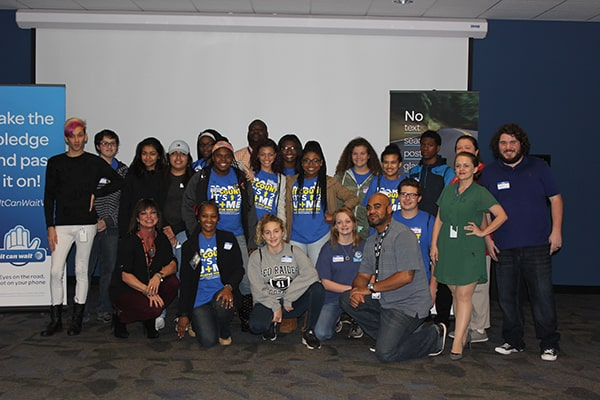 Alabama Decatur Students Team with AT&T Employees to Learn Skills for Success