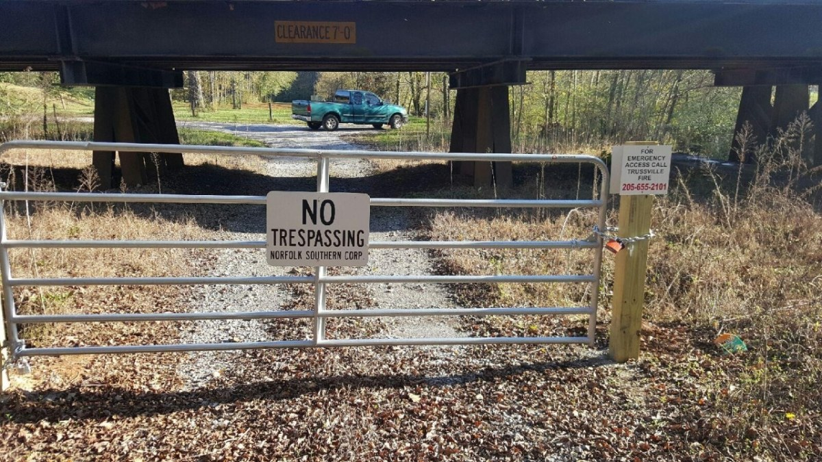 Norfolk Southern (still) keeps residents out of their own homes