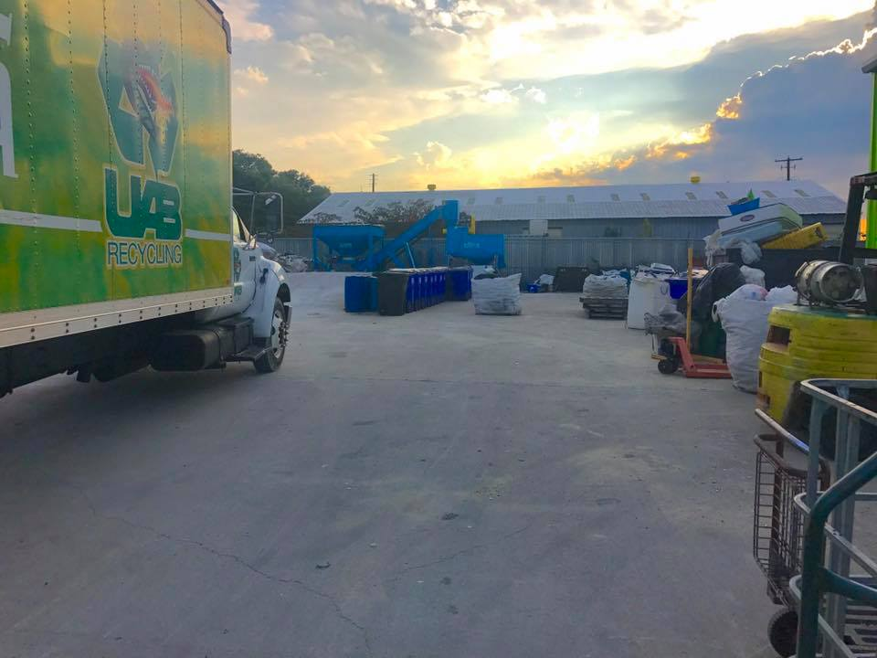 """""""Polish and shine"""" – Alabama Environmental Council Recycling Center (photos)"""