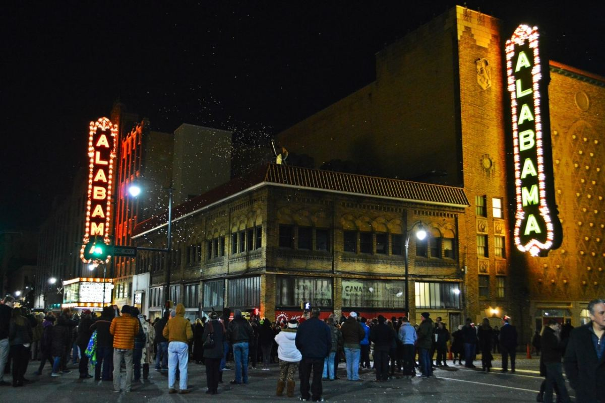 Watch history: The 2018 countdown and lighting of the new Alabama Theatre sign (video)