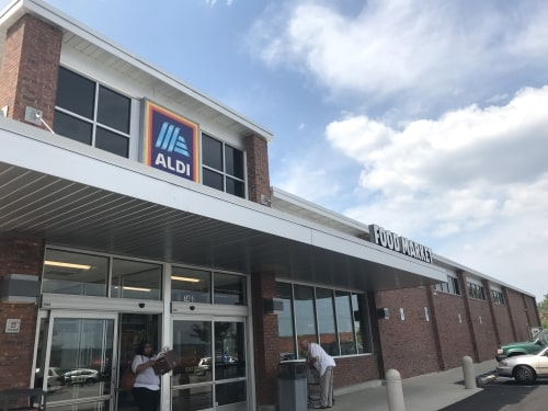 Take a peek inside the newly remodeled Crestwood ALDI with 7 photos