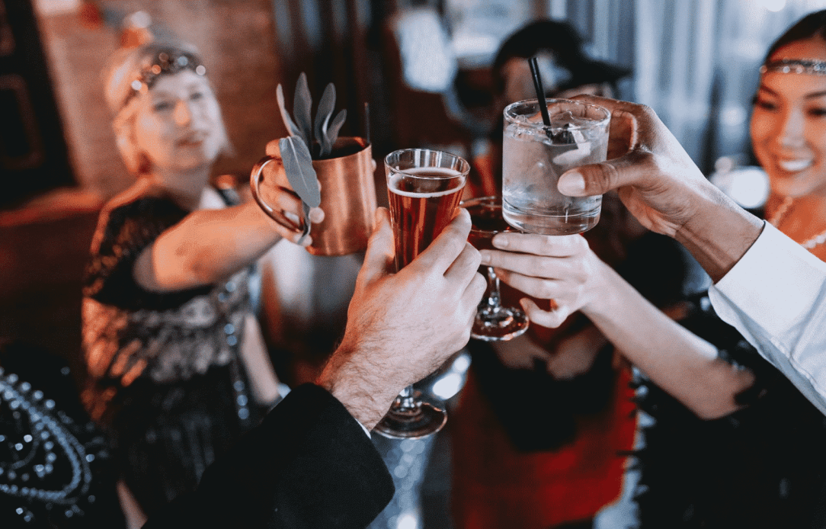 Theme bars : the latest trend in Birmingham (including Mom's Basement, The Atomic Lounge and more!)