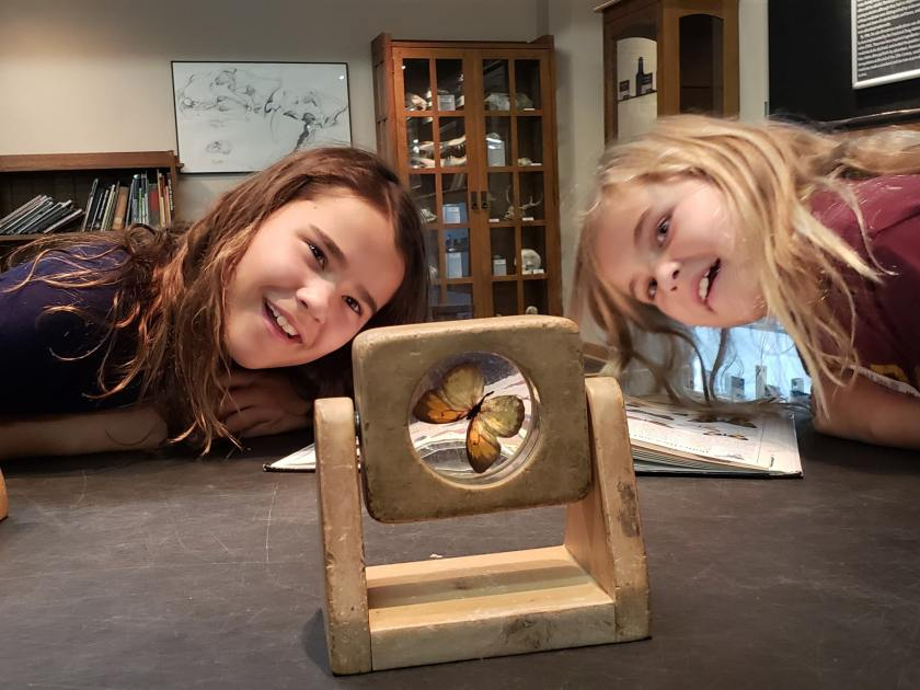 Birmingham, Ann Harper and Reese discovering science at McWane Science Center, Jade Foster, Beaker Seekers
