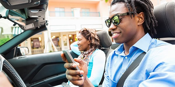 Put down that cell phone! Alabama lawmakers are getting closer to passing hands-free driving laws.
