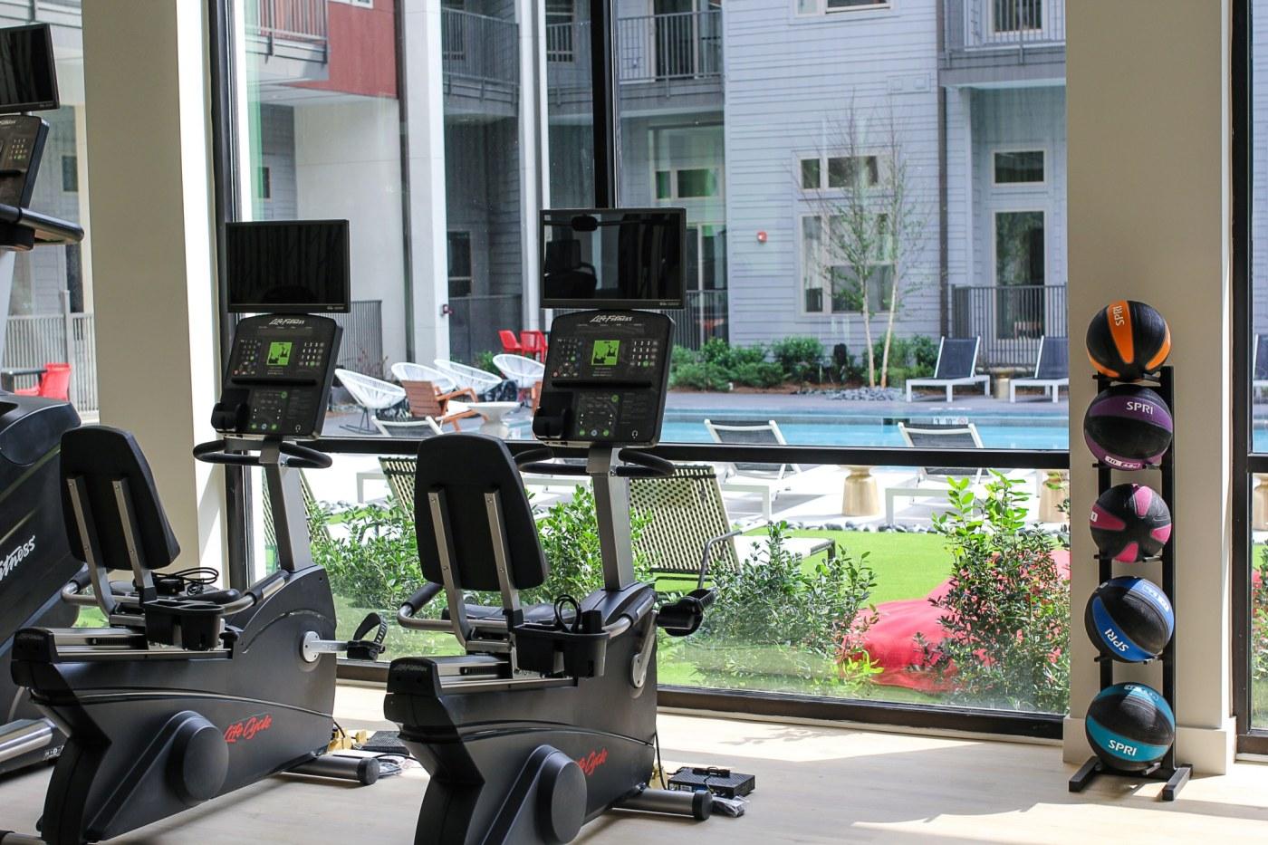 Birmingham, Alabama, The Metropolitan, UAB medical student housing options, fitness center, gym