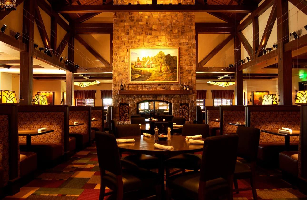 Birmingham, Village Tavern, fireplaces, restaurants, food