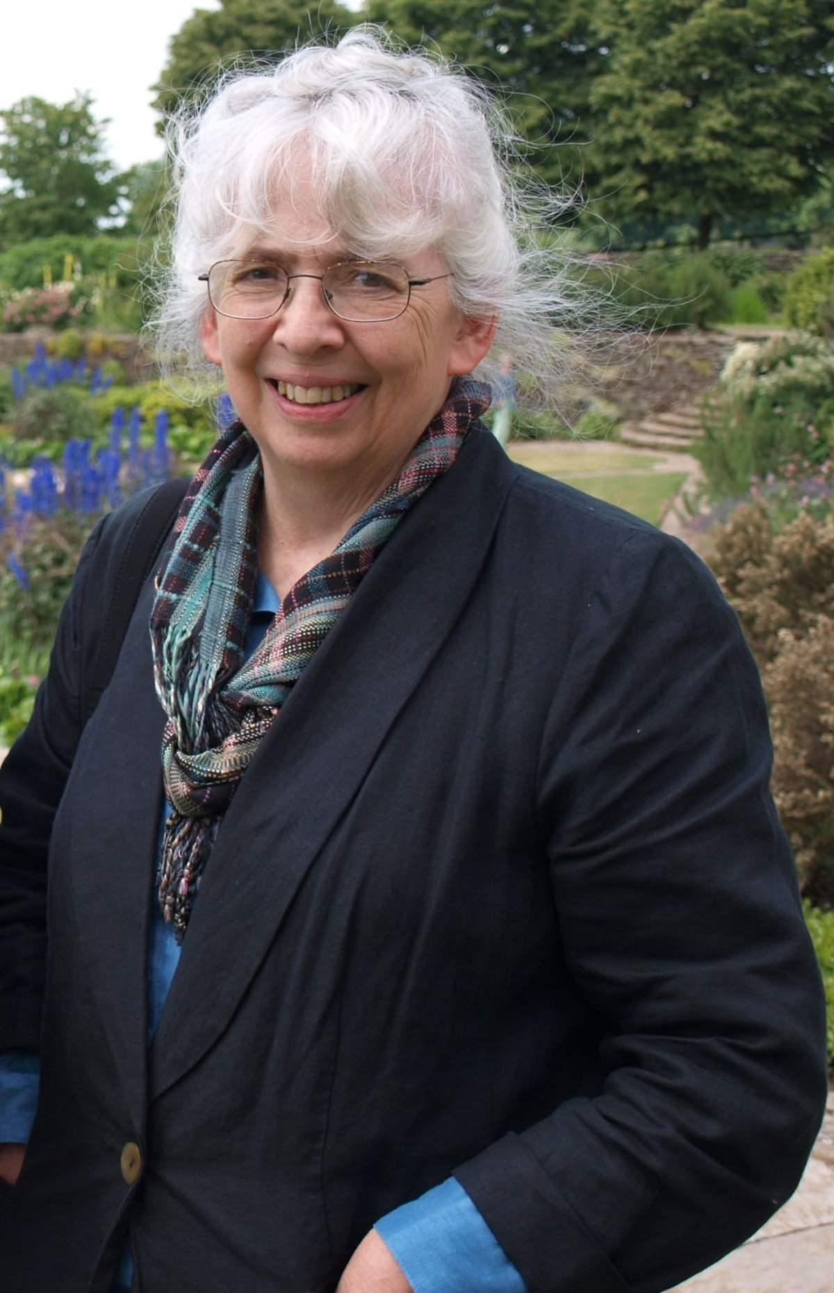 Judith Tankard: Garden Artists of the Arts and Crafts Movement