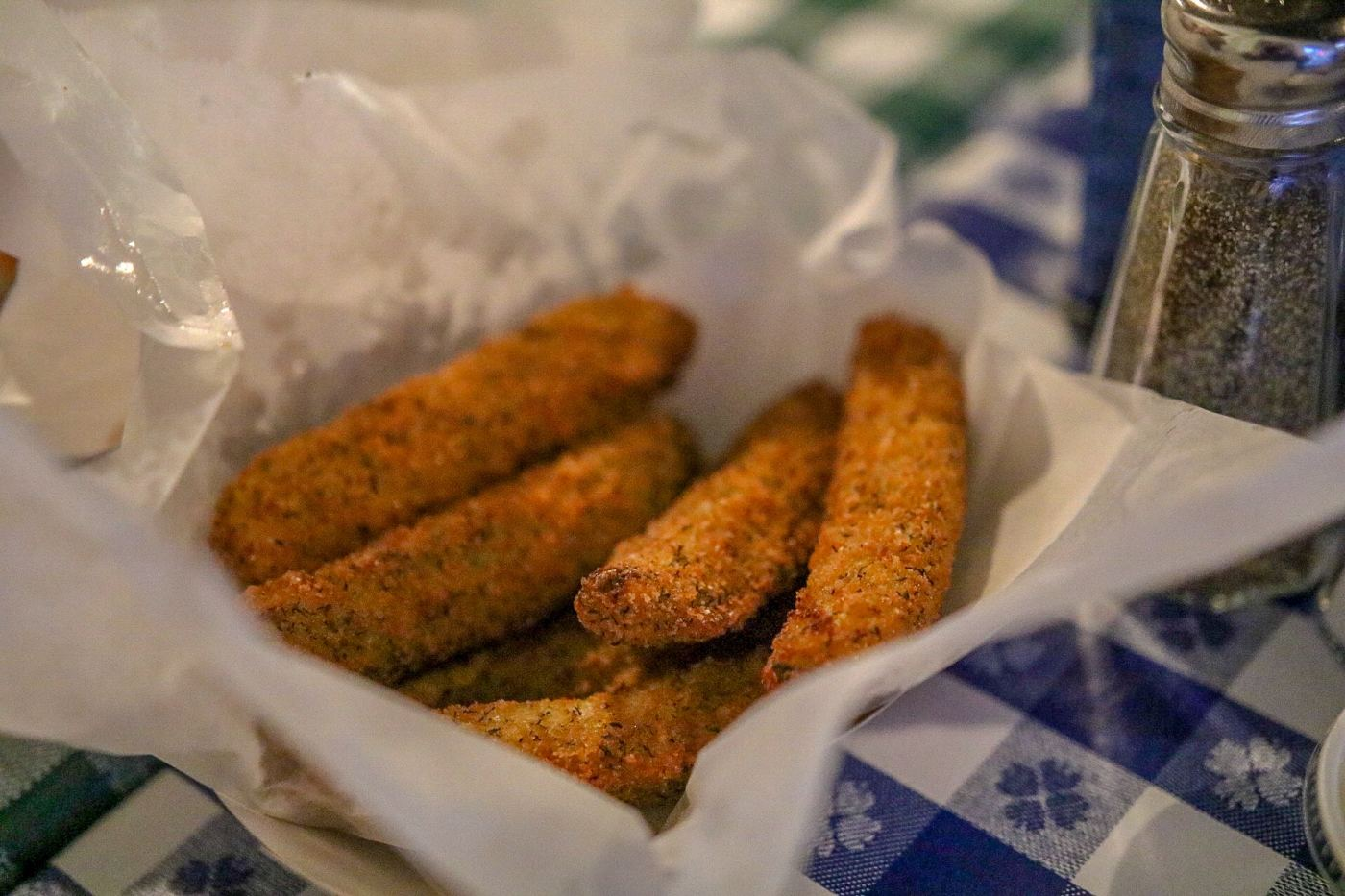 Birmingham, Alabama, Gus's Fried Chicken, The Battery, fried pickles