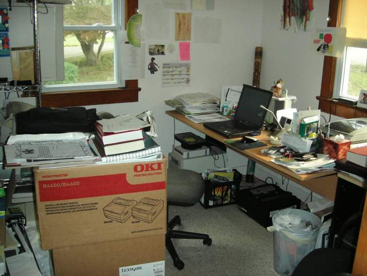 The alternative to a custom-built home office is often a crazy, disorganized mess.