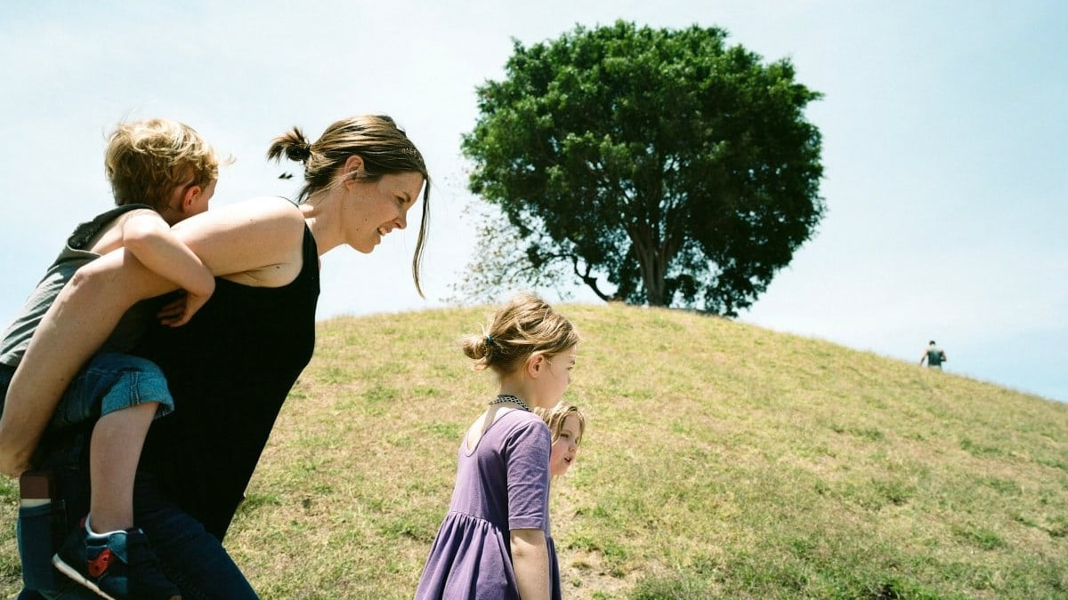 A guide to postpartum support for Birmingham moms