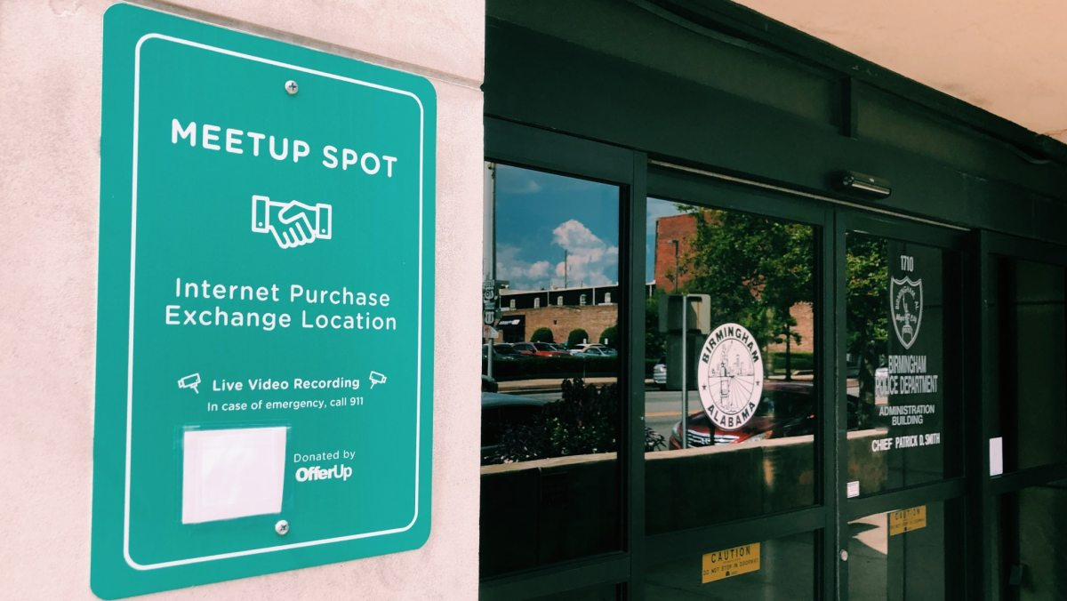 Buying goods online?  11 Internet purchase meetup spots in Birmingham