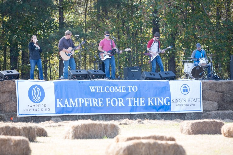 Musicians at Kampfire for the King