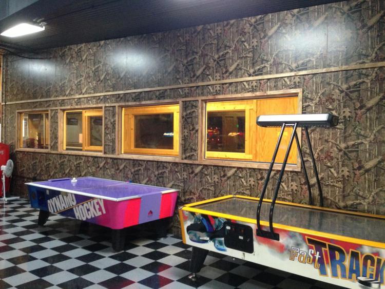 Birmingham karaoke at Super Bowling Lanes.