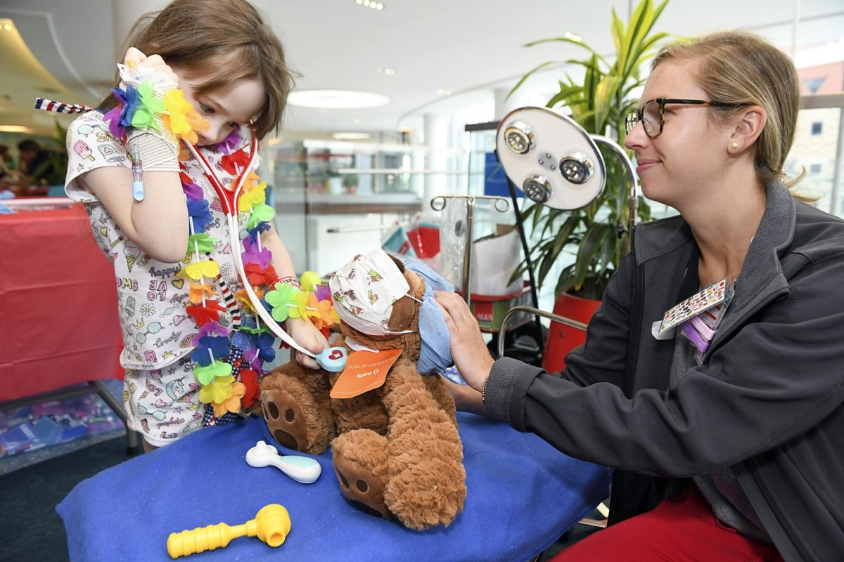 6 ways Birmingham's child life specialists make the hospital better