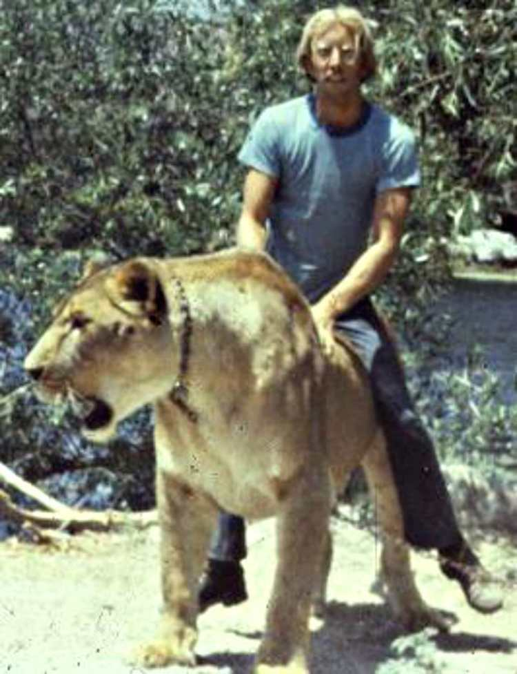 Steven Austad in his lion taming days