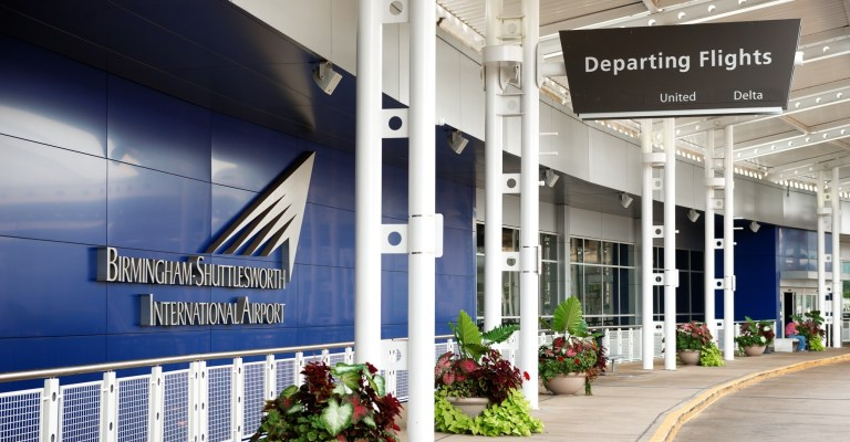 """United Airlines adds Alabama and Auburn """"away game"""" flights out of BHM"""