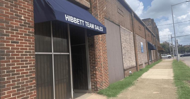 Former Hibbett sporting goods building