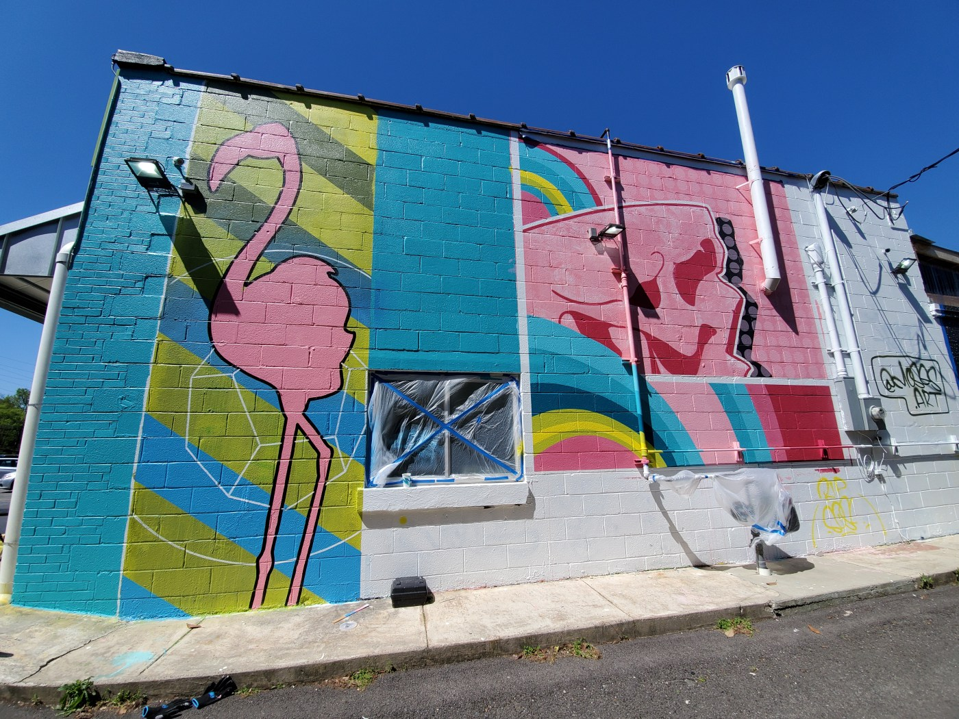 Tropicaleo's newest mural by Moses new murals