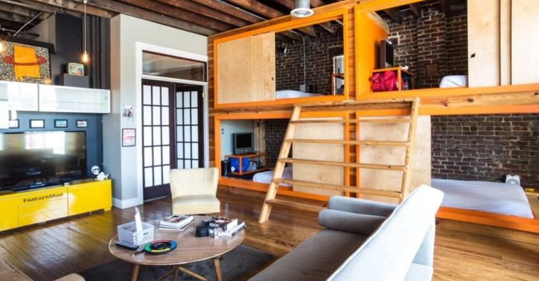 saturn airbnb