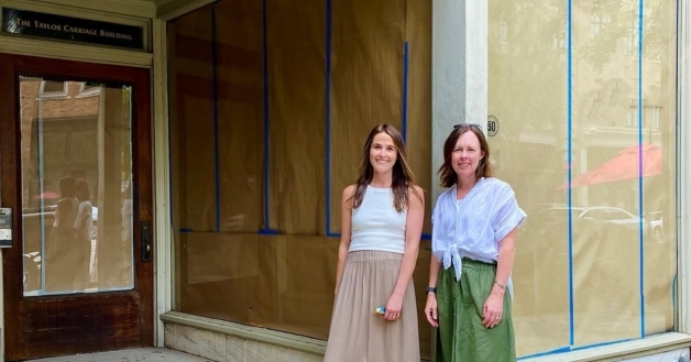 Honeycreeper Chocolate and basic move into their new home on Second Avenue.