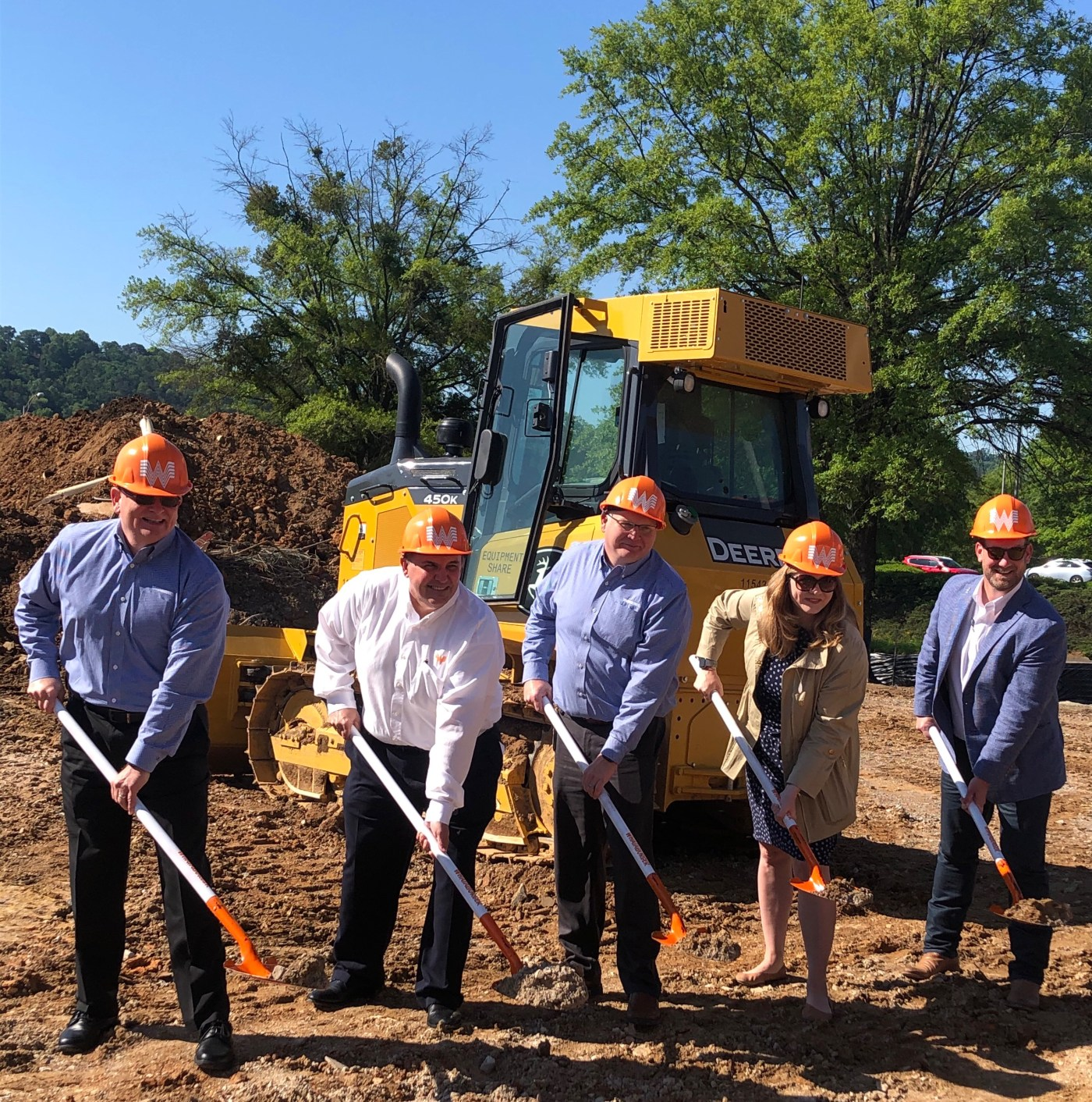 Whataburger southeast friends and City of Homewood Mayor at the groundbreaking event.