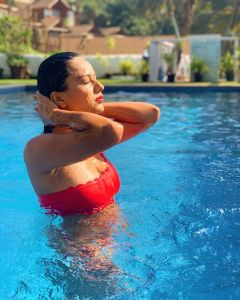 nia sharma simming pool