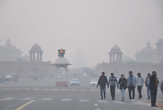 Air Pollution: Delhi's air deteriorated due to smoke, situation may worsen further!